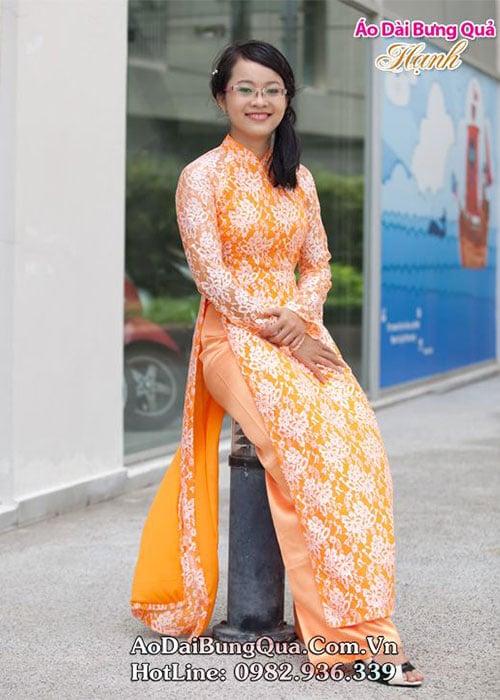Áo dài cam ren hoa cổ truyền thống tay dài lót ngực