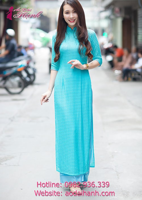Áo dài xanh dương bi lỗ cổ hoa tay lỡ cúp ngực