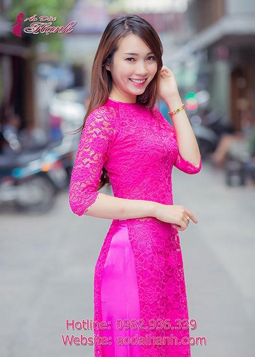 Áo dài hồng sen ren hoa cổ tròn tay lỡ lót ngực