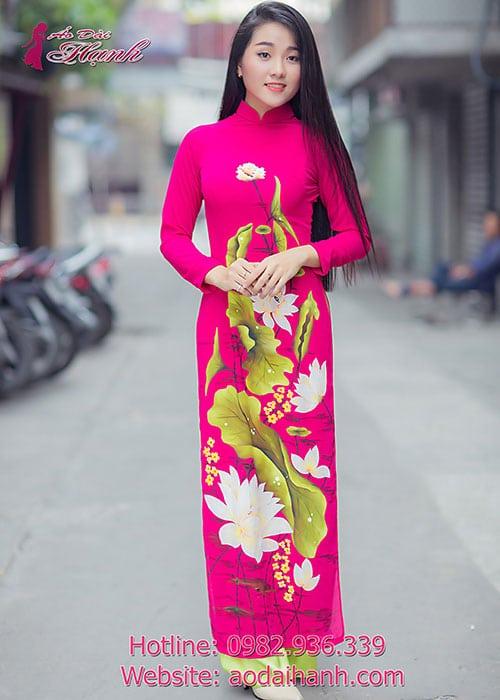 Áo dài hồng sen chiffon hoa sen vẽ cổ truyền thống tay dài