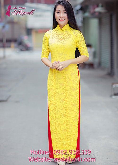 Áo dài vàng ren hoa cổ truyền thống tay lỡ cúp ngực